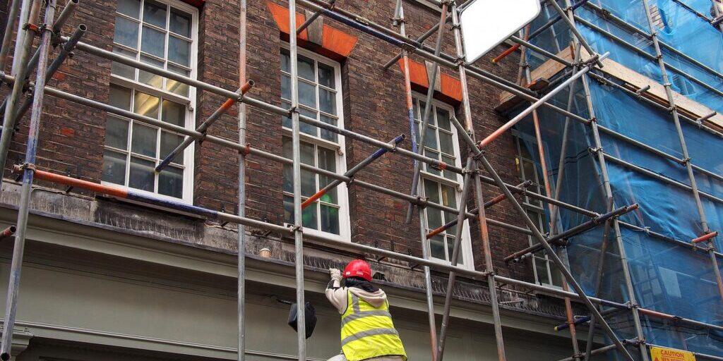 male worker on the scaffolding